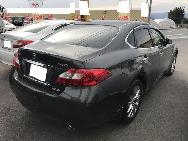 Nissan Fuga 2013 чёрный зад