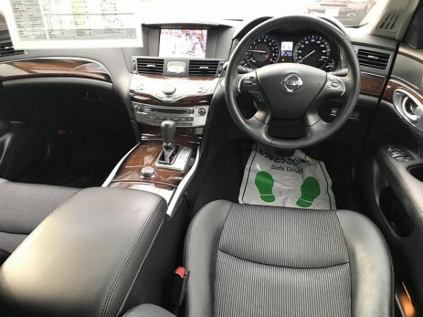 Nissan Fuga 2013 интерьер