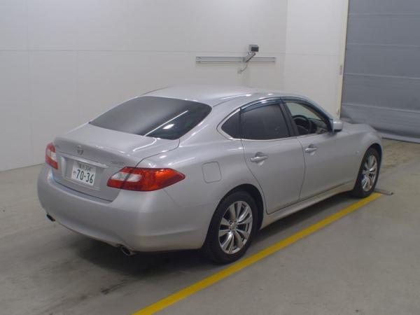 Nissan Fuga 2013 серый сзади