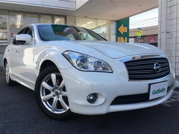 Nissan Fuga 2013 белый