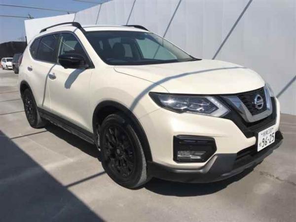 Nissan X-Trail 2015 белый