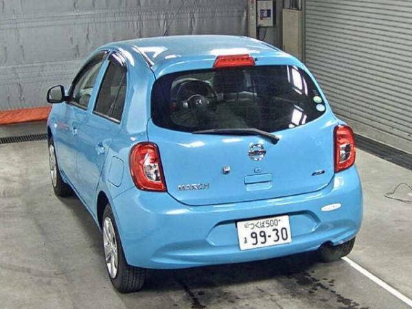 Nissan March 2015 сзади