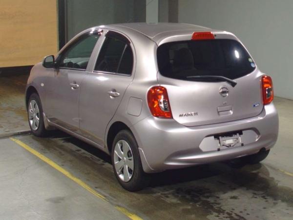 Nissan March 2015 серый сзади