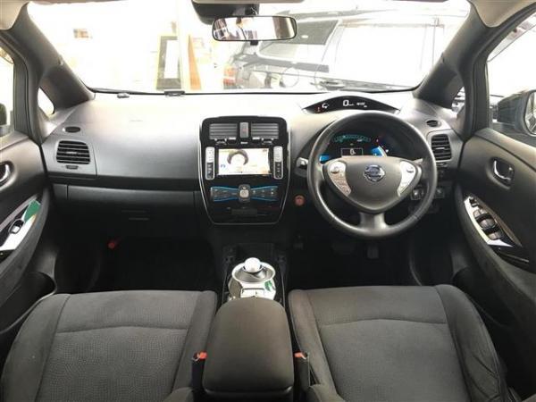 Nissan Leaf 2015 салон