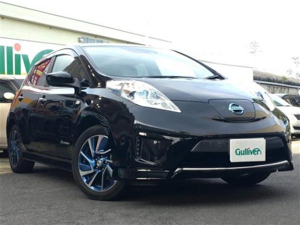 Nissan Leaf 2015 чёрный