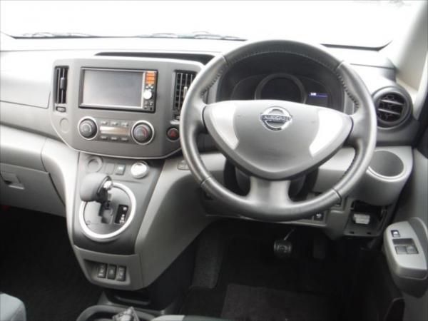 Nissan E-NV200 2015 салон