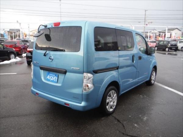 Nissan E-NV200 2015 голубой сзади