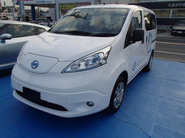 Nissan E-NV200 2015 белый