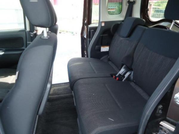 Nissan Dayz Roox 2015 задние сидения