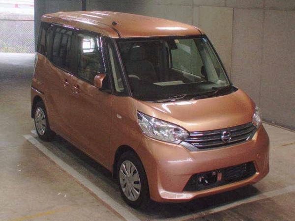 Nissan Dayz Roox 2015 коричневый