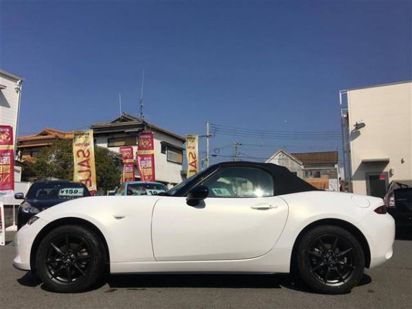 Mazda Roadster 2015 белый сбоку