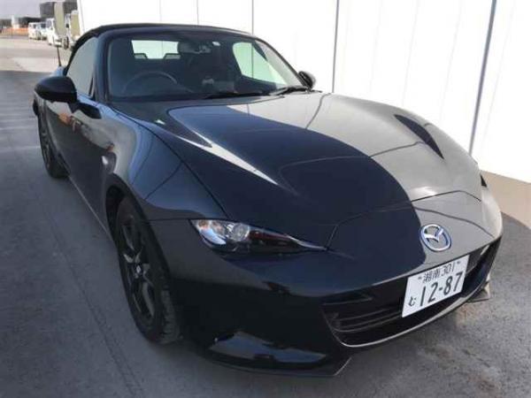 Mazda Roadster 2015 чёрный спереди