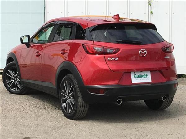 Mazda CX-3 2015 красная сзади