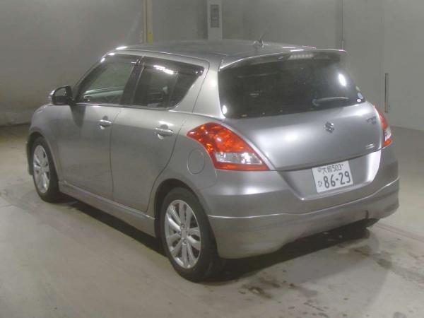 Suzuki Swift серый сзади