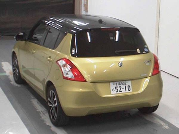 Suzuki Swift 2015 золотистый сзади