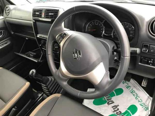 Suzuki Jimny 2015 интерьер
