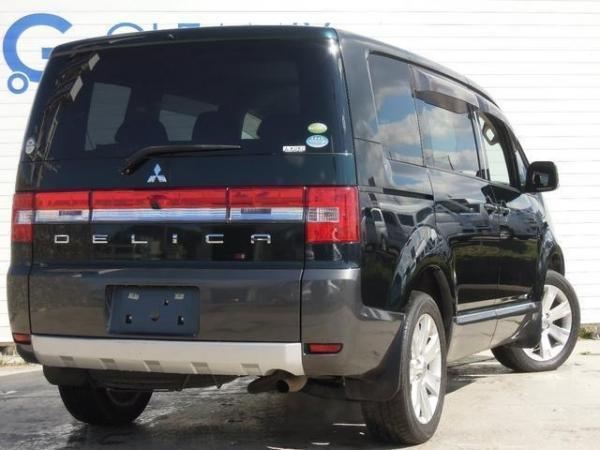 Mitsubishi Delica D:5 2015 чёрный сзади
