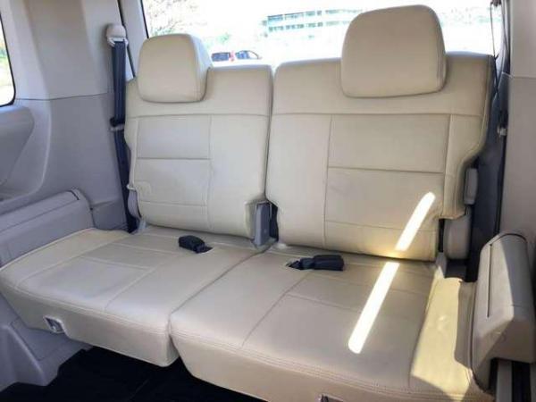 Mitsubishi Delica D:5 2015 сидения