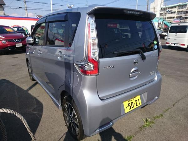 Nissan Dayz 2016 серебристый сзади