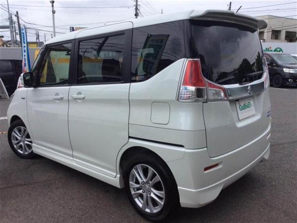 Suzuki Solio III белый бок