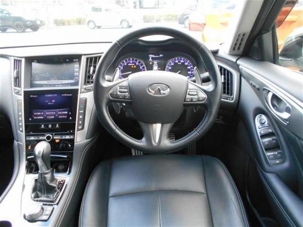 Nissan Skyline XIII 2015 салон
