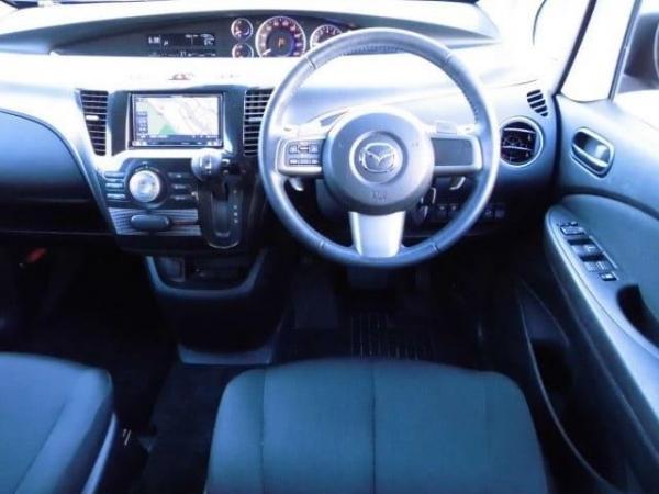 Mazda Biante I Рестайлинг 2015 салон