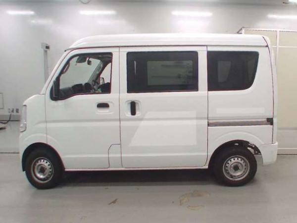 Mazda Scrum V белый сбоку