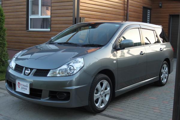 Nissan Wingroad серый