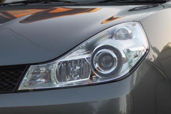 Nissan Wingroad 2015 фара