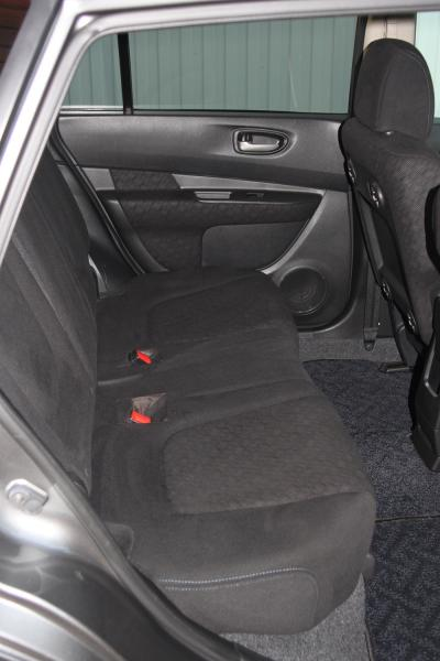 Nissan Wingroad 2015 серый задние сидения