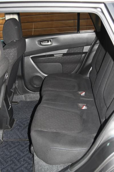 Nissan Wingroad 2015 серый сидения