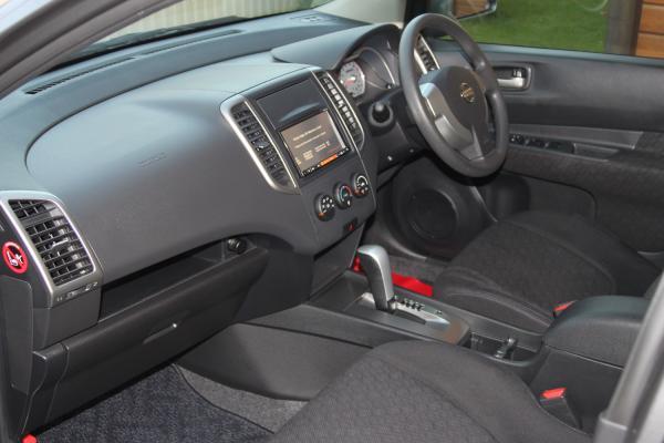 Nissan Wingroad 2015 интерьер