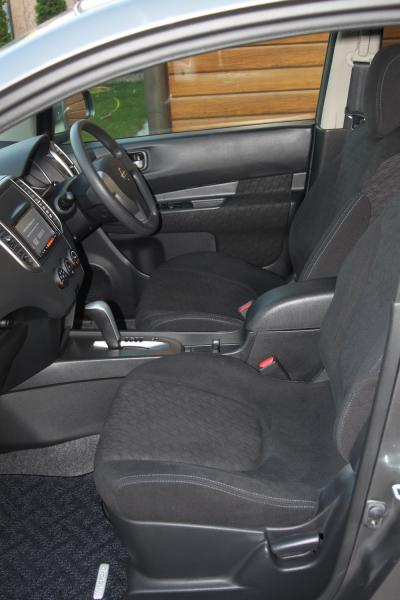 Nissan Wingroad 2015 сиденья
