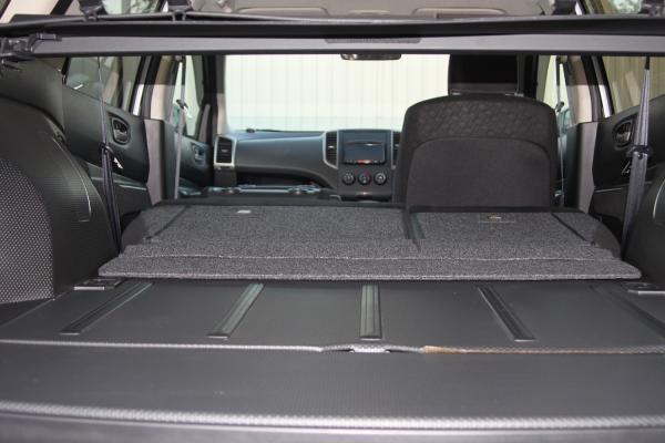 Nissan Wingroad 2015 серый вид из багажника
