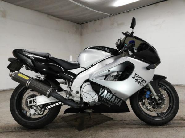 Yamaha YZF1000R 1999 чёрно-белый