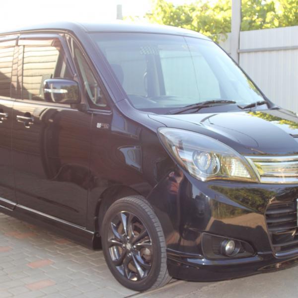 Suzuki Solio черный