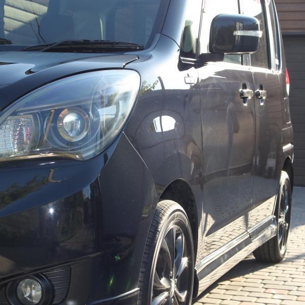 Suzuki Solio 2014 черный правая фара