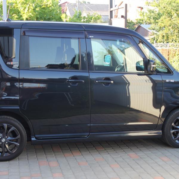 Suzuki Solio 2014 черный сбоку