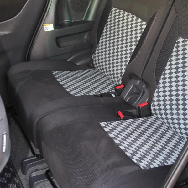 Suzuki Solio 2014 сидения