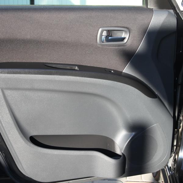 Suzuki Solio 2014 черный левая дверь