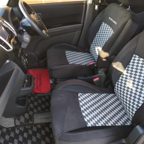 Suzuki Solio 2014 черный передние сидения