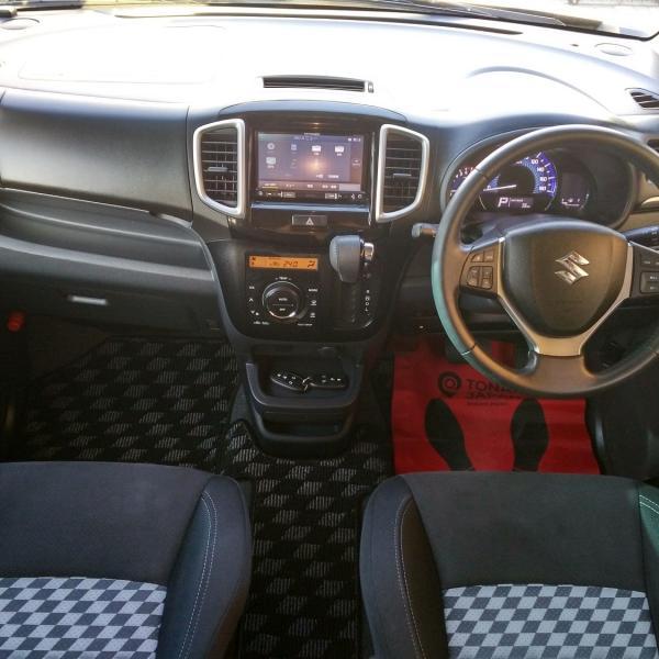 Suzuki Solio 2014 черный салон