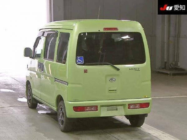 Daihatsu Hijet X Рестайлинг зелёный сзади