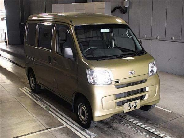 Daihatsu Hijet X Рестайлинг золотистый