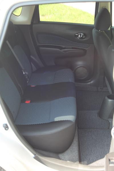 Nissan Note II Рестайлинг задние сидения