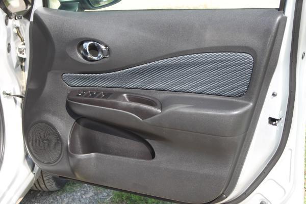 Nissan Note серый дверь