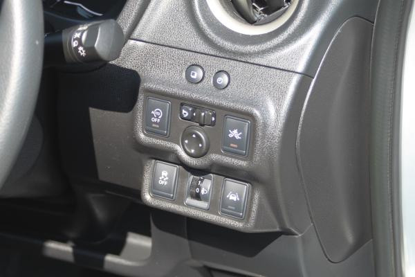Nissan Note II Рестайлинг кнопки