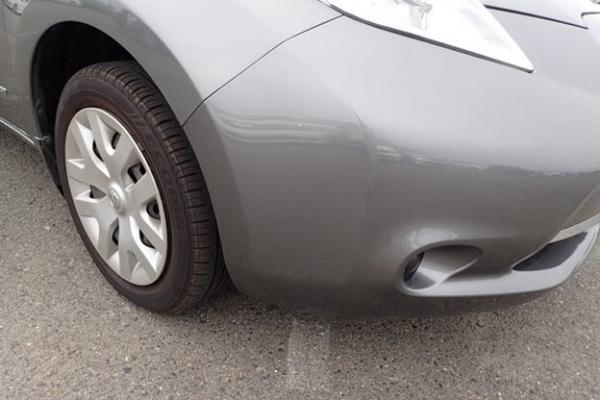 Nissan Leaf 2014 серый бампер