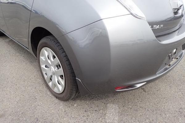 Nissan Leaf 2014 серый задний бампер