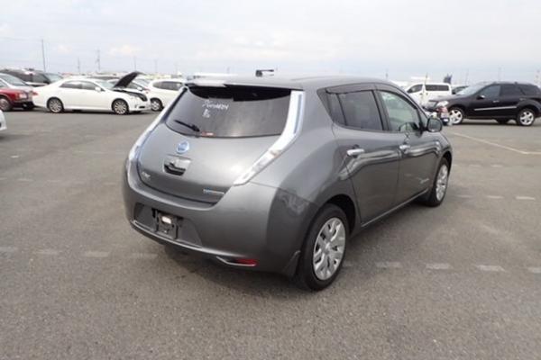 Nissan Leaf 2014 серый вид сзади